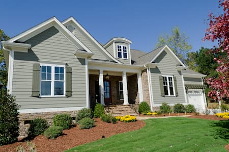 Picking an Exterior Paint Color For Your Tampa Home