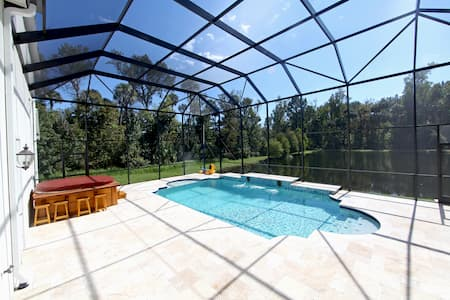 Pool Enclosure Painting Painting Contractor In Tampa Bay Fl