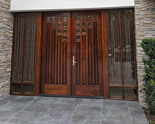 Door Refinishing In Oldsmar